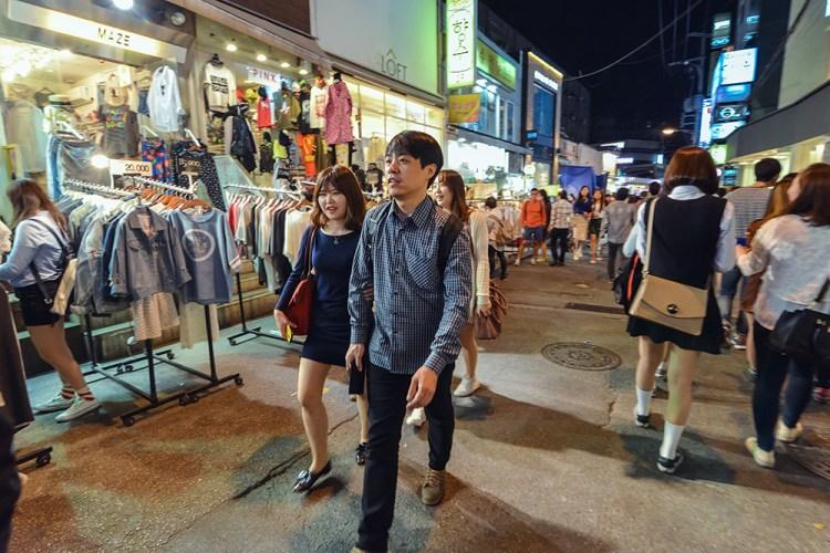 Couple Shopping_Utterlyinfolicious